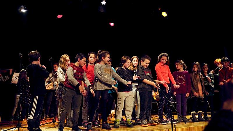 Musika eskola, UME, actuación junior