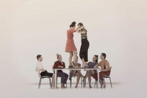 """[:es]Teatro: """" Errimak bi oinetan"""" Compañía de danza Haatik .[:eu]Antzerkia: """" Errimak bi oinetan"""" Haatik dantza konpainia.[:] @ Kultur etxea"""
