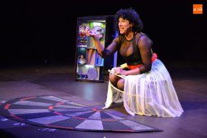 """[:es]Teatro """" o cara o cruz"""" Eugenia manzanera[:eu]Antzerkia. """"O cara o cruz"""" Eugenia Manzanera.[:] @ Kultur etxea- antzokia"""
