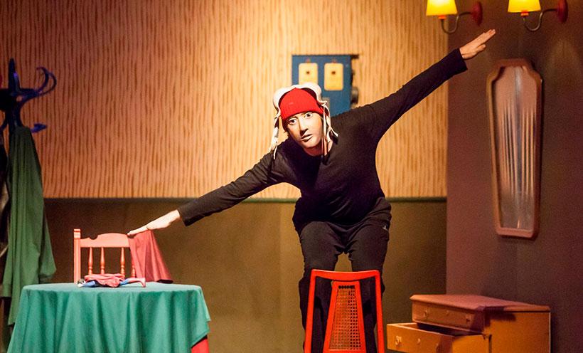 """[:es]Teatro """" Super héroe"""". CIA El perro Azul teatro.[:eu]Antzerkia: """" Super heroia"""" CIA El Perro Azul teatro.[:] @ Kultur etxea- antzerki aretoa"""